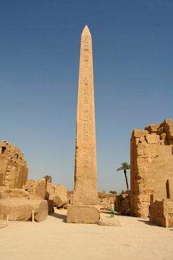Obelisk Mesir Kuno