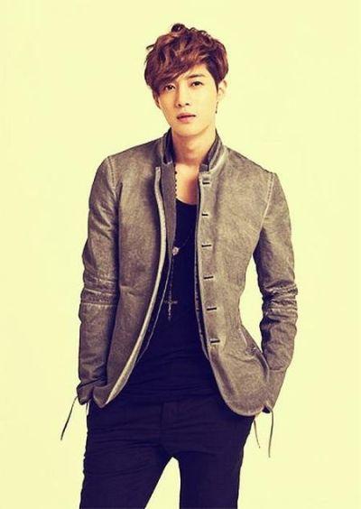 Foto Kim Hyun Joong yang Keren dan Ganteng 10