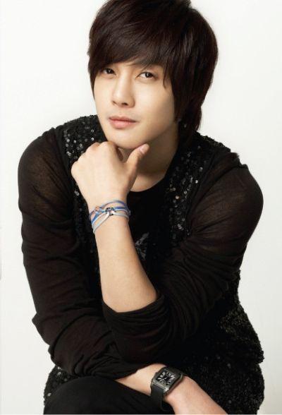 Foto Kim Hyun Joong yang Keren dan Ganteng 27