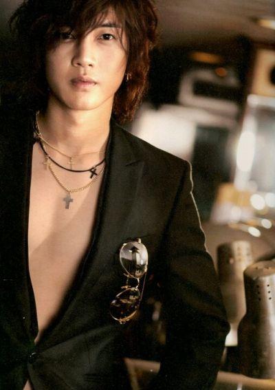 Foto Kim Hyun Joong yang Keren dan Ganteng 28