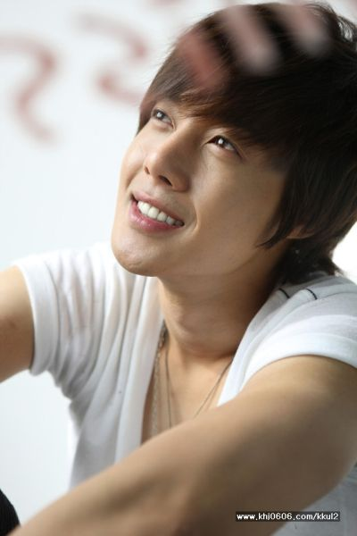 Foto Kim Hyun Joong yang Keren dan Ganteng 29