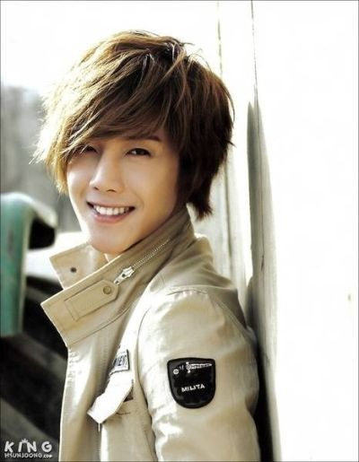 Foto Kim Hyun Joong yang Keren dan Ganteng 4