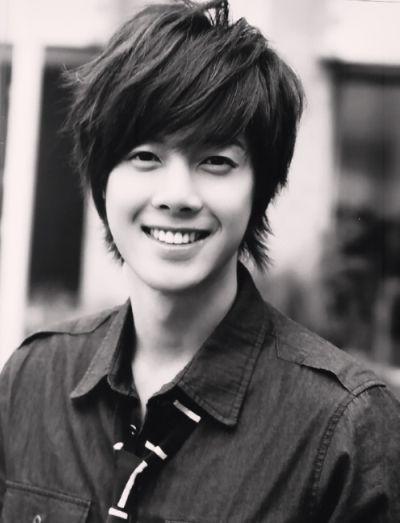 Foto Kim Hyun Joong yang Keren dan Ganteng 8