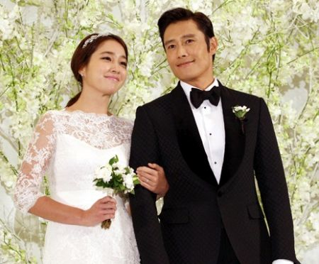Lee Min-jung dan Lee Byung-hun