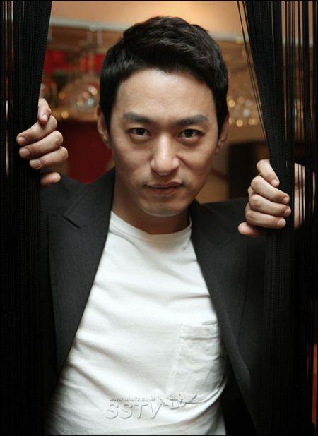 Joo Jin Mo12