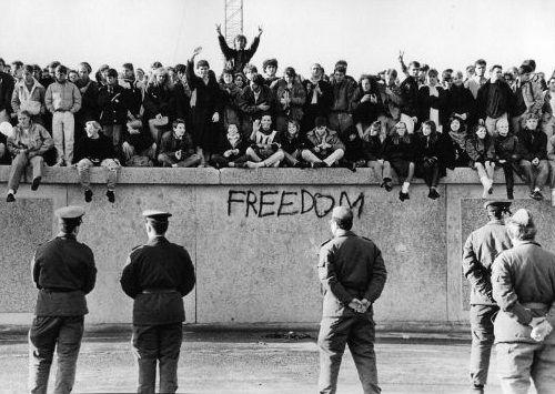 Gambar Tembok Berlin