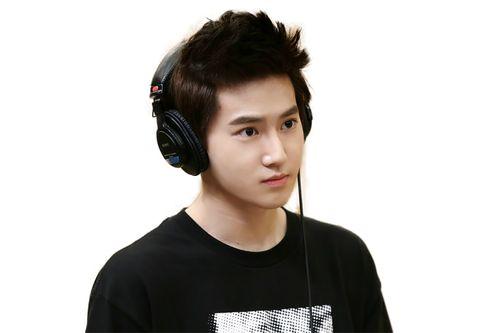 7 Idol K-Pop Paling Ganteng Menurut Para Cowok Korea