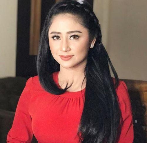 Foto Cantik Dewi Persik 1