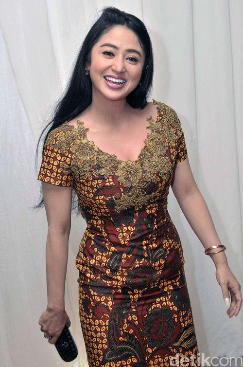 Foto Cantik Dewi Persik 3