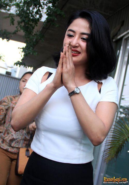 Foto Cantik Dewi Persik 6