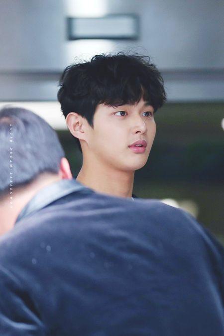 Foto Ganteng Imut Lee Seo-won 13