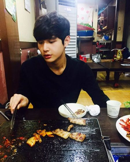 Foto Ganteng Imut Lee Seo-won 6