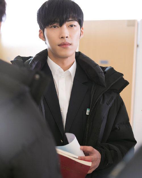 Foto Woo Do-hwan berseragam Sekolah4