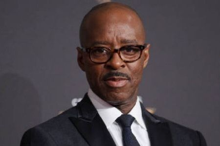 Pemain Isle of Dogs Courtney B. Vance