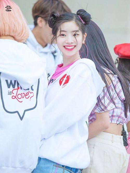 Foto Cantik Dahyun TWICE Terbaru 10