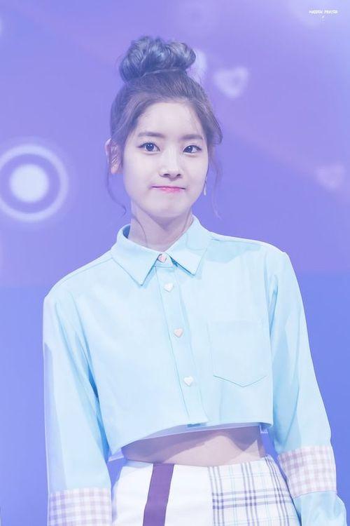 Foto Cantik Dahyun TWICE Terbaru 28