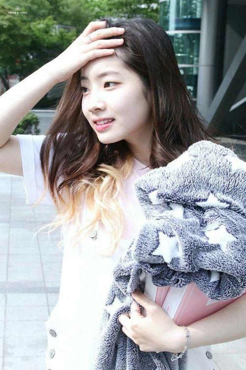 Foto Cantik Dahyun TWICE Terbaru 99