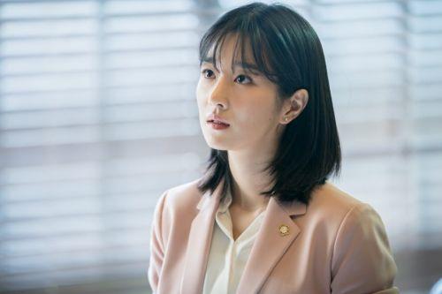 Foto Seo Ye Ji Lawless Lawyer