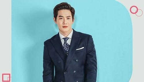 Foto Terbaru Suho EXO Rich Man 6
