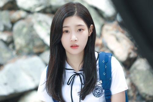 Foto Cantik Terbaru Jung Chaeyeon2