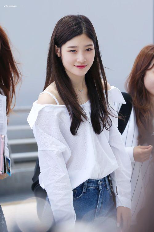 Foto Cantik Terbaru Jung Chaeyeon8