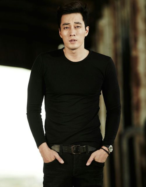 Foto Terbaru So Ji Sub Terius 3