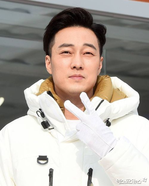 Foto Terbaru So Ji Sub Terius 6
