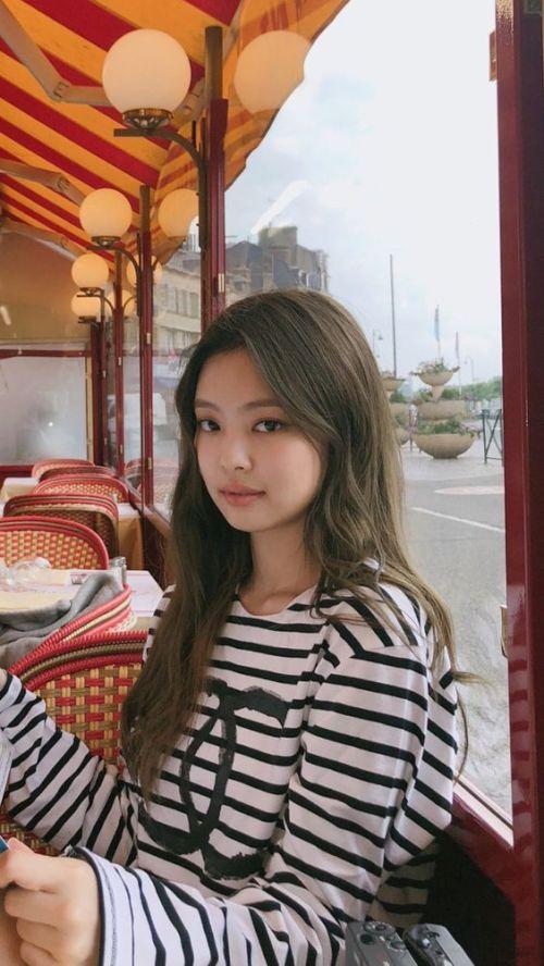 Foto Jennie Kim Terbaru dan Tercantik 6