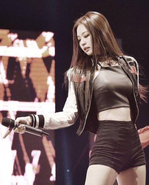 Foto Terbaru Blackpink: 45 Foto Terbaru Jennie BLACKPINK Yang Kini Sudah Solo