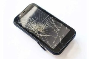 Smartphone Layar Retak