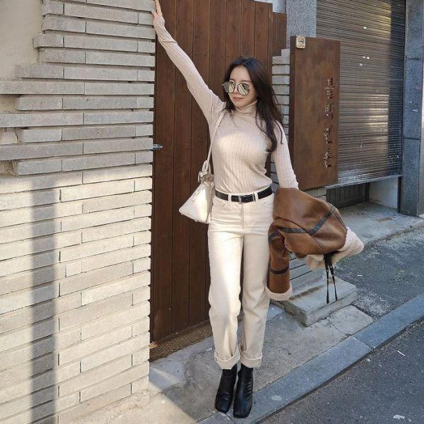 Gaya Jiwoo Kakak J-Hope Anggun