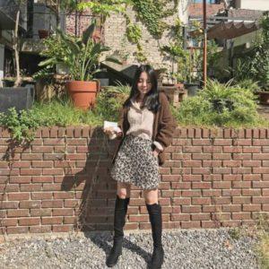 Gaya Jiwoo Kakak J-Hope Instagramable